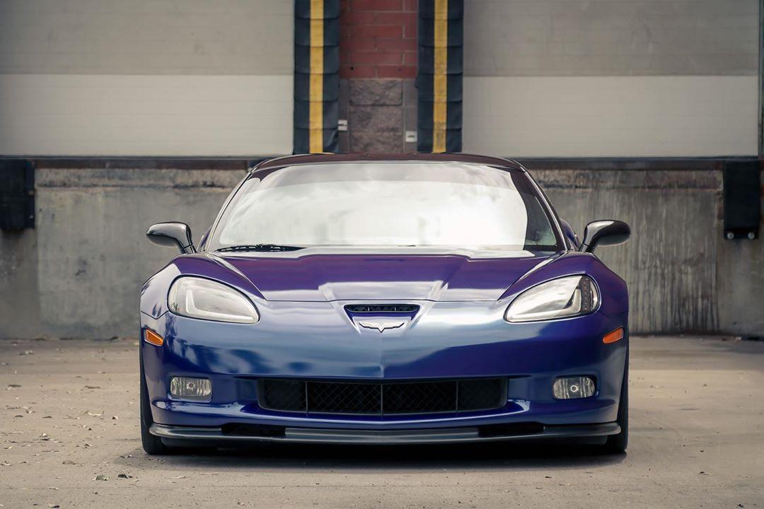 Wrapped C6 Corvette in Magnetic Burst blue gloss vinyl.