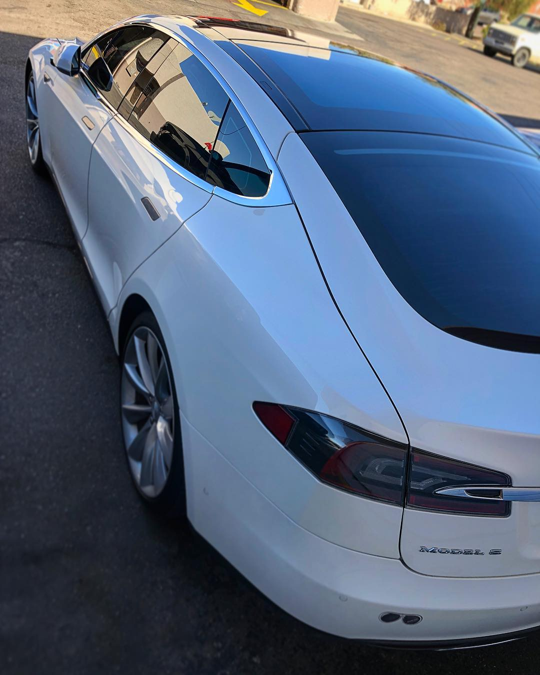 Completely tinted Model S roof