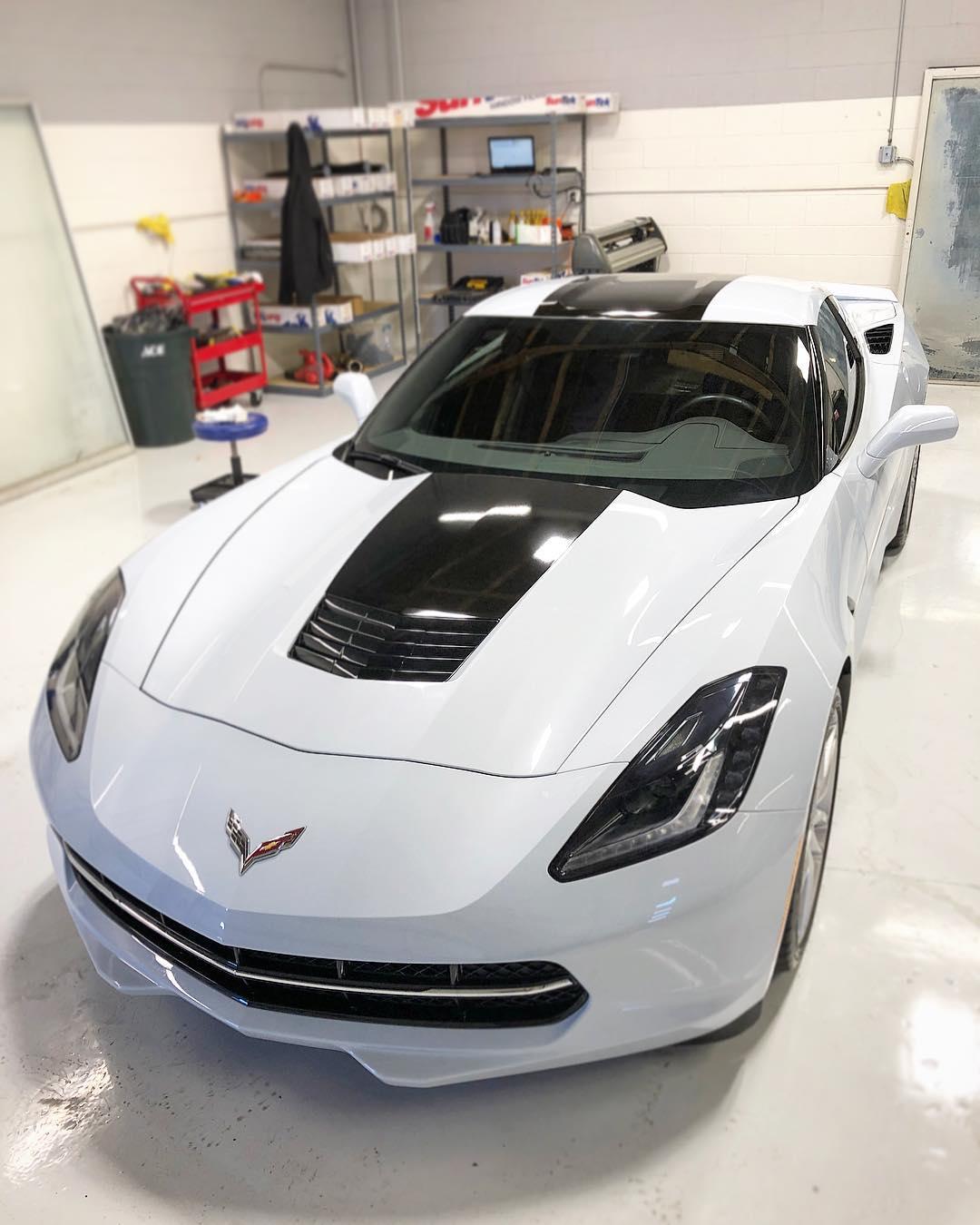 Striped Corvette in Scottsdale